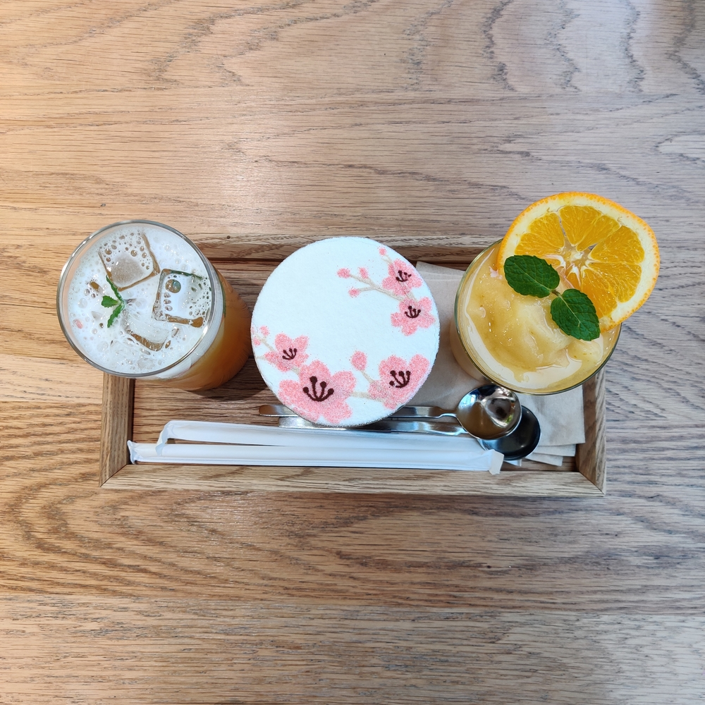 matkavinkit koreaan keväällä innisfree kahvila