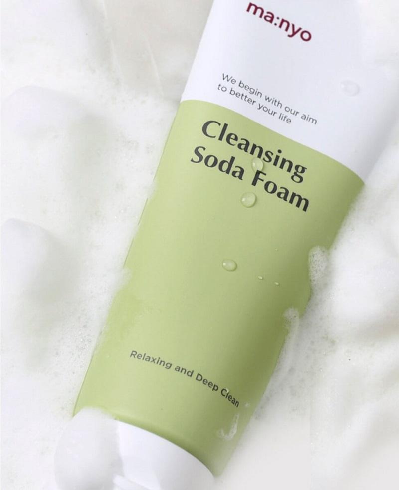 Ma:nyo Cleansing Soda Foam vaahdossa