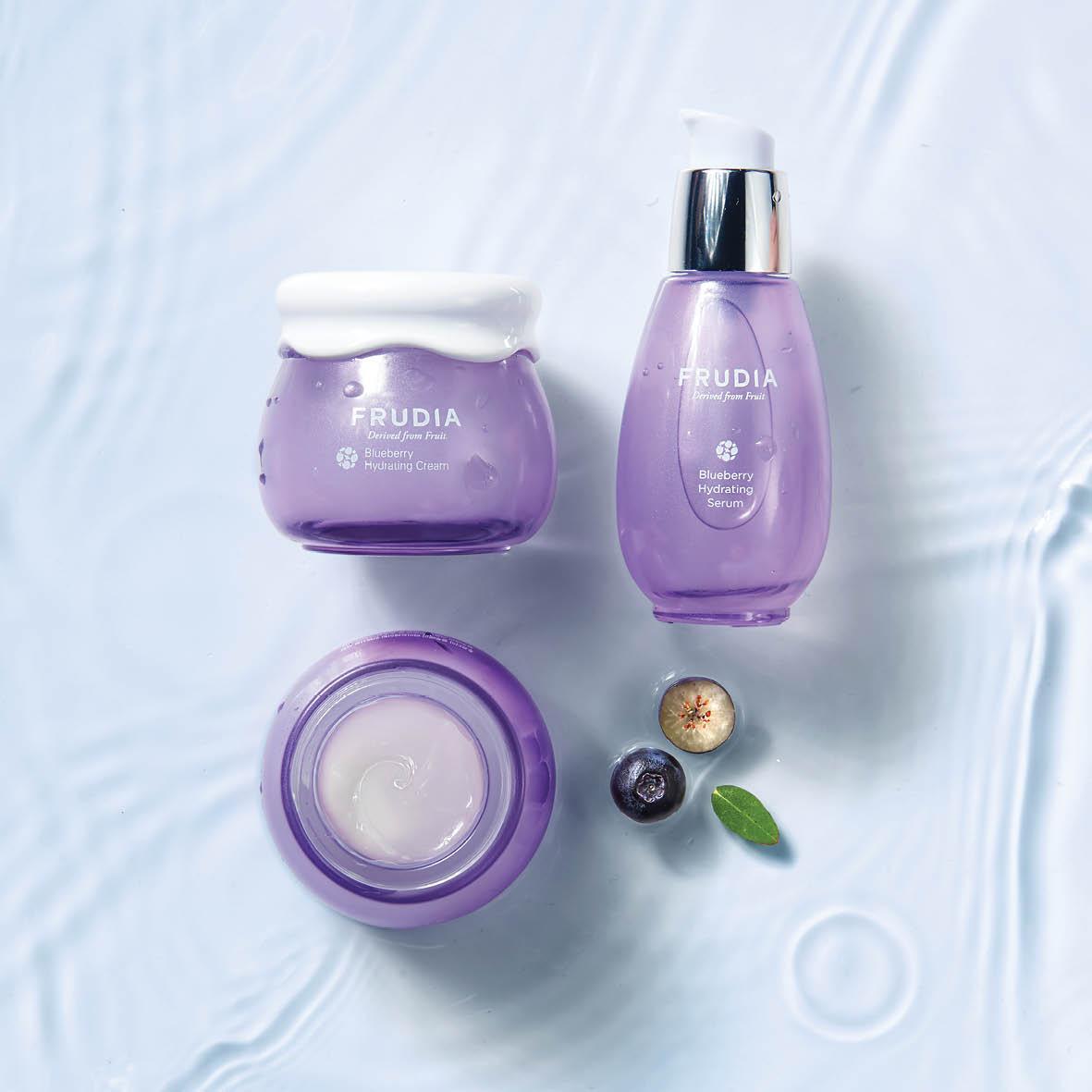 Blueberry Hydrating -mustikkaa sisältävät ihonhoitotuotteet